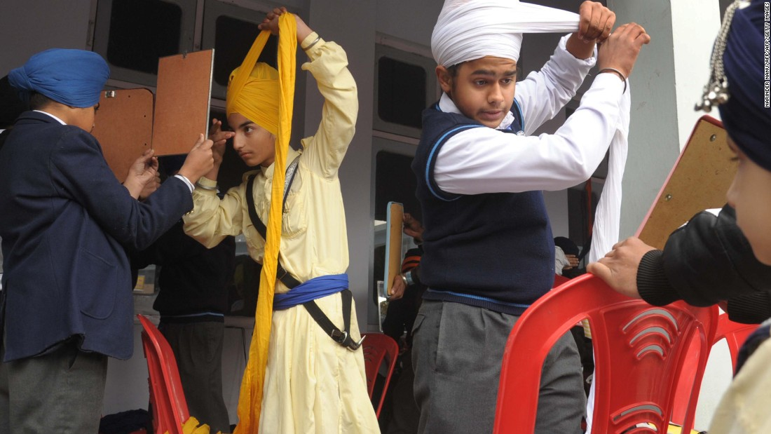 Sikhs: Religious minority target of hate crimes 170306181023 sikh turban competition super 169