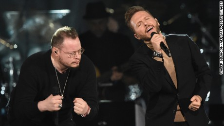 Leonel Garcia (L) and Noel Schajris perform during the show for the 2016 Latin GRAMMY's Person Of The Year honoring Marc Anthony at the MGM Grand on November 16, 2016 in Las Vegas, Nevada.  / AFP / Valerie MACON        (Photo credit should read VALERIE MACON/AFP/Getty Images)