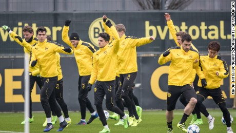 DORTMUND, GERMANY - MARCH 07: Team of Dortmund warms up during the training of  Borussia Dortmund ahead of the UEFA Champions League Round of 16 second leg match between Borussia Dortmund and SL Benfica at Signal Iduna Park on March 7, 2017 in Dortmund, Germany. (Photo by Maja Hitij/Bongarts/Getty Images)