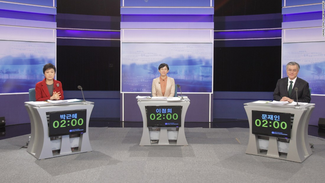 In December 2012, Park participates in a televised presidential debate with United Progressive Party candidate Lee Jung-hee and Democratic United Party candidate Moon Jae-in.