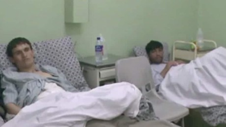 survivors of Afghanistan hospital talk Walsh pkg_00005730