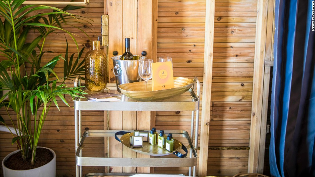 The Amenities: Organic beauty products and Israeli wine set the scene. If you want to score some of your own similar products, hit supercool Sheinkin Street or the flea markets in Jaffa.