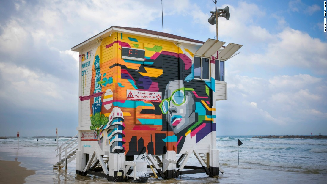 Tel Aviv Lifeguard Hotel: A lifeguard station has been converted into a posh two-room pop-up hotel.