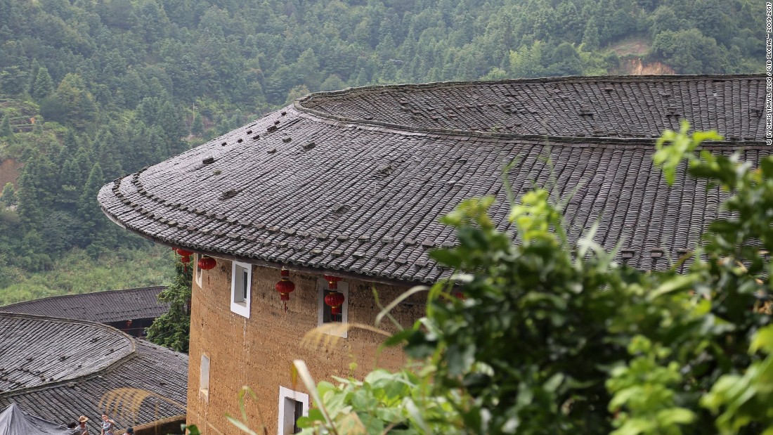 "Many <a href=""http://www.christravelblog.com/china-xiamen-2014-07-07-2014-07-30-china-tour/"" target=""_blank"">tulou</a> buildings are three or four stories, but ""they can sometimes have five, or even six floors,"" according to Lin Lusheng, who had led a tulou restoration project.<br />"