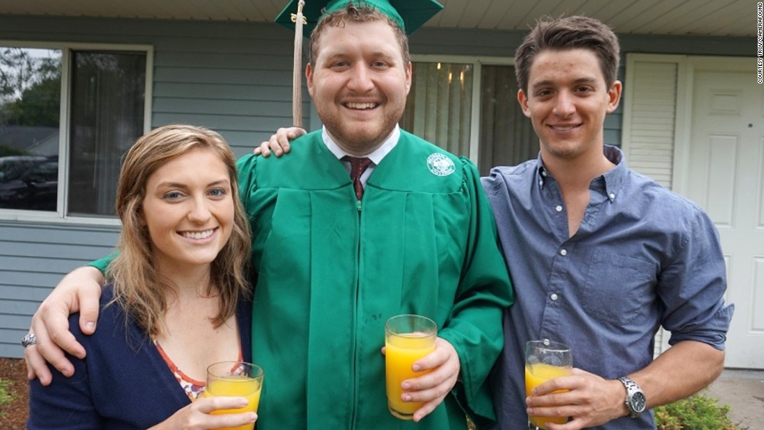 <strong>Graduation in green: </strong>C'mon guys! You were celebrating with orange juice. How did you manage to lose the photo?