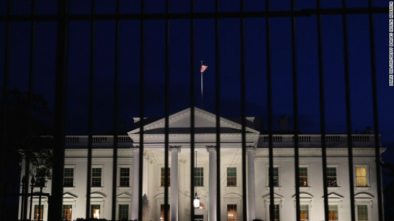 Car, bomb claim at WH set off security alert