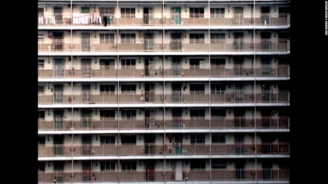 Artist Chilai Howard, a public housing resident, documented the opening and closing doors and windows in one of the first housing estates in Hong Kong, Nam Shan Estate, and remixed the recording into a choreography of vertical living.
