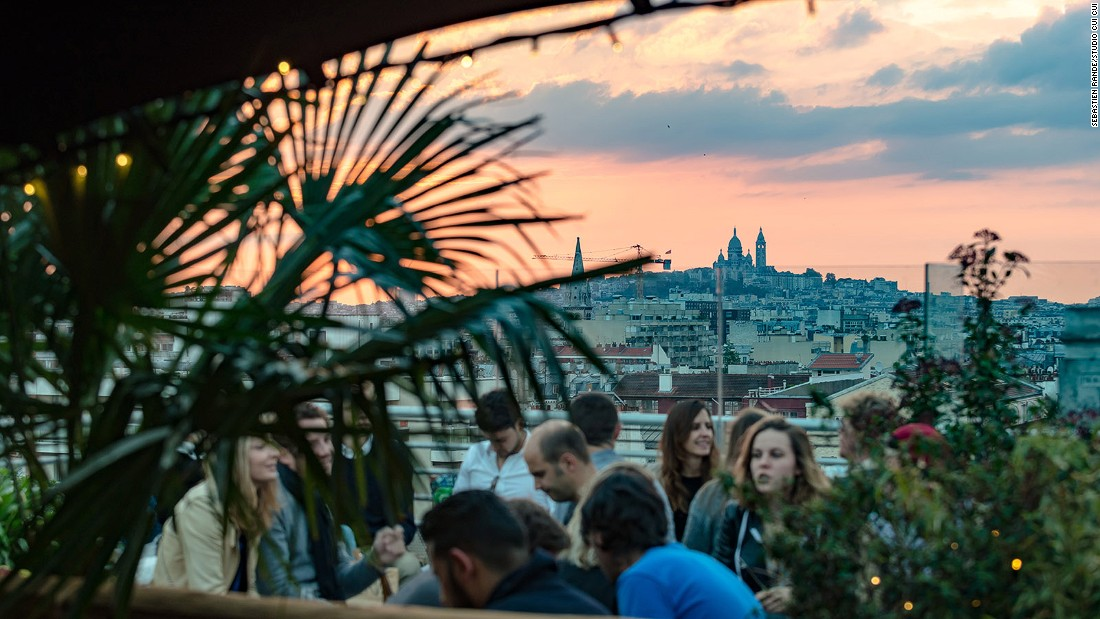 <strong>Le Perchoir: </strong>With<strong> </strong>an eye-catching view of the Sacré-Coeur Basilica, it's little surprise that Le Perchoir's rooftop bar is a favorite hangout spot in the city during spring. The restaurant downstairs serves dishes with seasonal products.