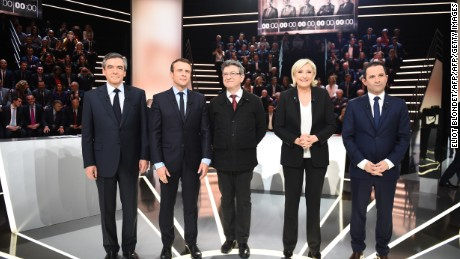 French candidate Macron wins new supporter: former PM Valls