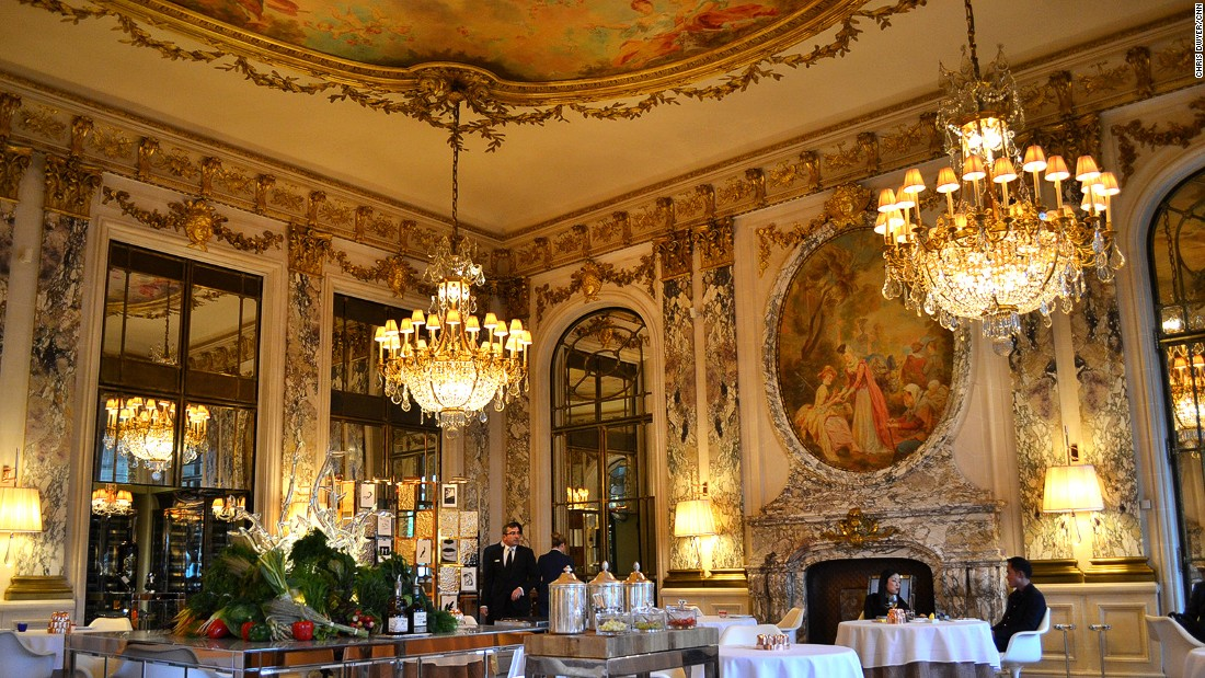 <strong>Le Meurice Alain Ducasse: </strong>Alain Ducasse's two-Michelin-star Le Meurice is one of the most opulent dining rooms in Paris -- a mix of 18th-century charm with bold modern touches.<strong><br />  </strong>