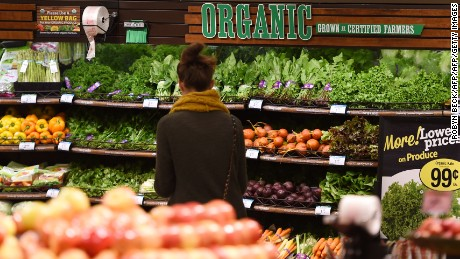 "Organic produce is seen for sale, November 28, 2016 at a Ralph's Supermarket in Irvine, California. ""Shop with a Doc"" is a community health program from St. Joseph Hoag Health hospital group which brings medical professionals and nutritionists into local supermarkets to give shoppers the opportunity to ask questions about ingredients and how to make healthy choices  an increasing challenge for customers who are overwhelmed with the number of products claiming various health benefits.  / AFP / Robyn Beck        (Photo credit should read ROBYN BECK/AFP/Getty Images)"