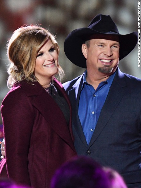 Trisha Yearwood and Garth Brooks rehearse for the 2016 Christmas in Rockefeller Center.