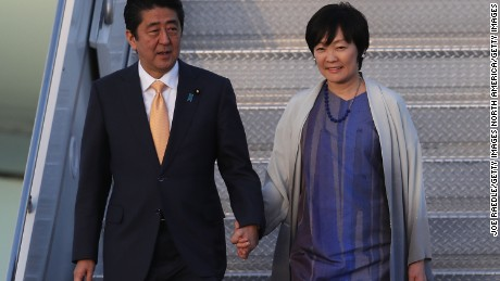 Japanese Prime Minister Shinzo Abe and his wife Akie Abe arrive in Florida in February 2017.