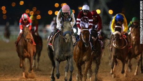 Mike Smith on Arrogate powers to the front in the closing stages of the Dubai World Cup.