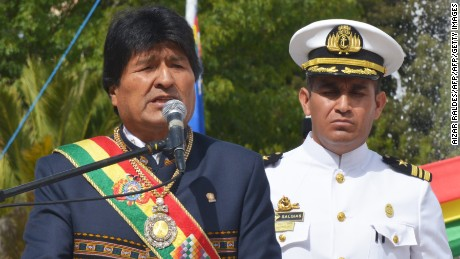 Bolivia's President Evo Morales Ayma (L) delivers a speech in front of Eduardo Avaroa's monument, during the ceremony that marks the 138th anniversary of the Calama battle against Chile, where Bolivia lost its access to the sea, in La Paz on March 23, 2017. / AFP PHOTO / Aizar RALDES        (Photo credit should read AIZAR RALDES/AFP/Getty Images)