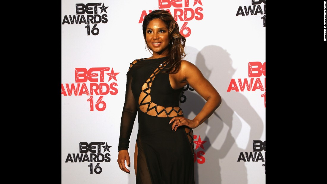 "Singer Toni Braxton has been hospitalized several times to bring her lupus under control. She told the world about her condition in 2010 and in 2014 wrote ""Unbreak My Heart,"" a memoir in which she revealed that her uncle died from the disease."