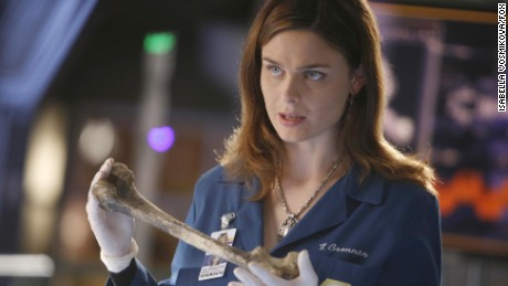Brennan (Emily Deschanel) investigates the death of the wife of a federal witness in the 'Bones' episode 'The Woman in the Car.'