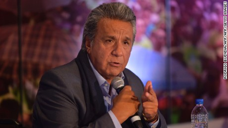 Ecuadorean presidential candidate Lenin Moreno speaks with foreign correspondents during a press conference in Quito on March 22, 2017. / AFP PHOTO / RODRIGO BUENDIA        (Photo credit should read RODRIGO BUENDIA/AFP/Getty Images)