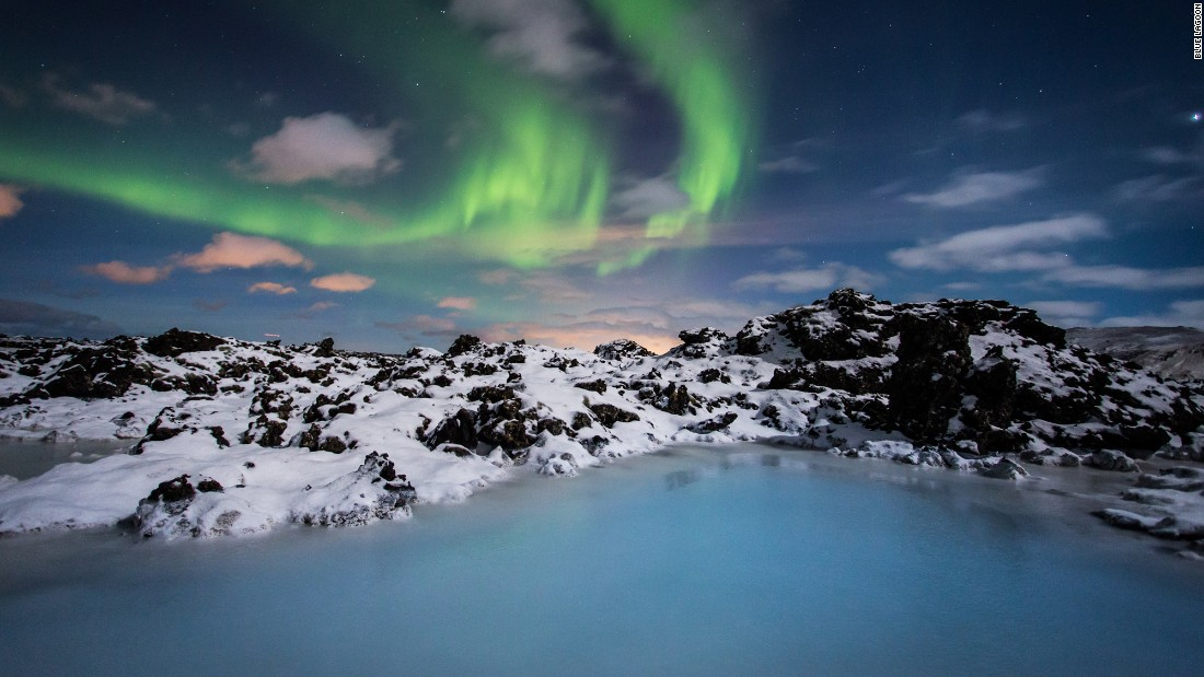 Iceland 39 s blue lagoon unveils cool new luxury hotel for Blue lagoon hotels iceland