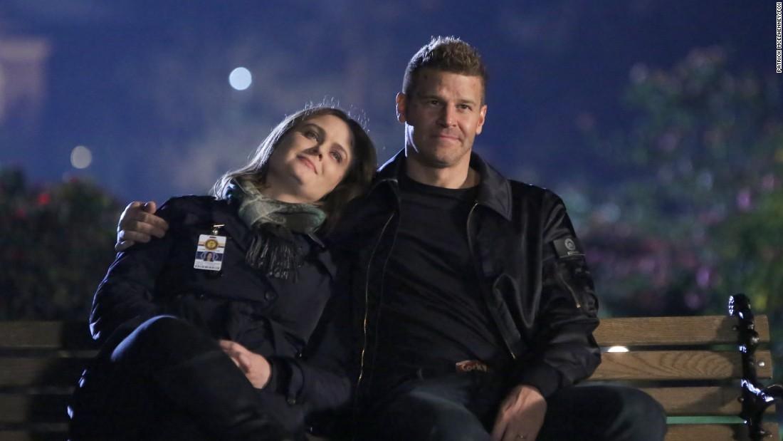 'Bones' star Emily Deschanel breaks down the final episode