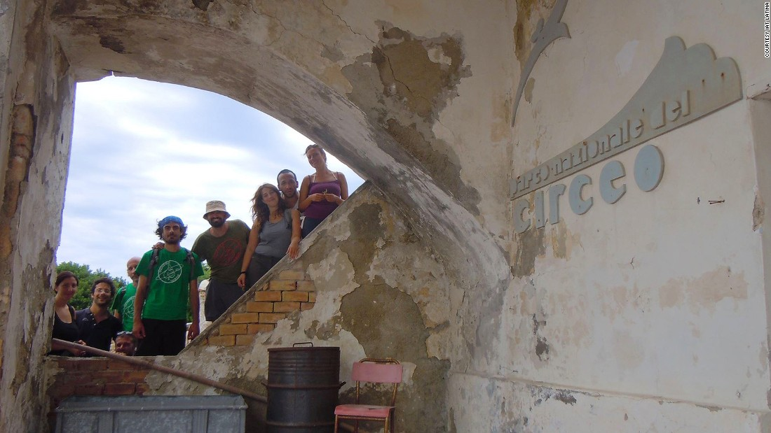 "<strong>Alternative tourist attraction: </strong>After the tragedy, the mansion was shut and the isle was returned to the state. Now visitors come to explore the ""forbidden atoll"" and its dark history."