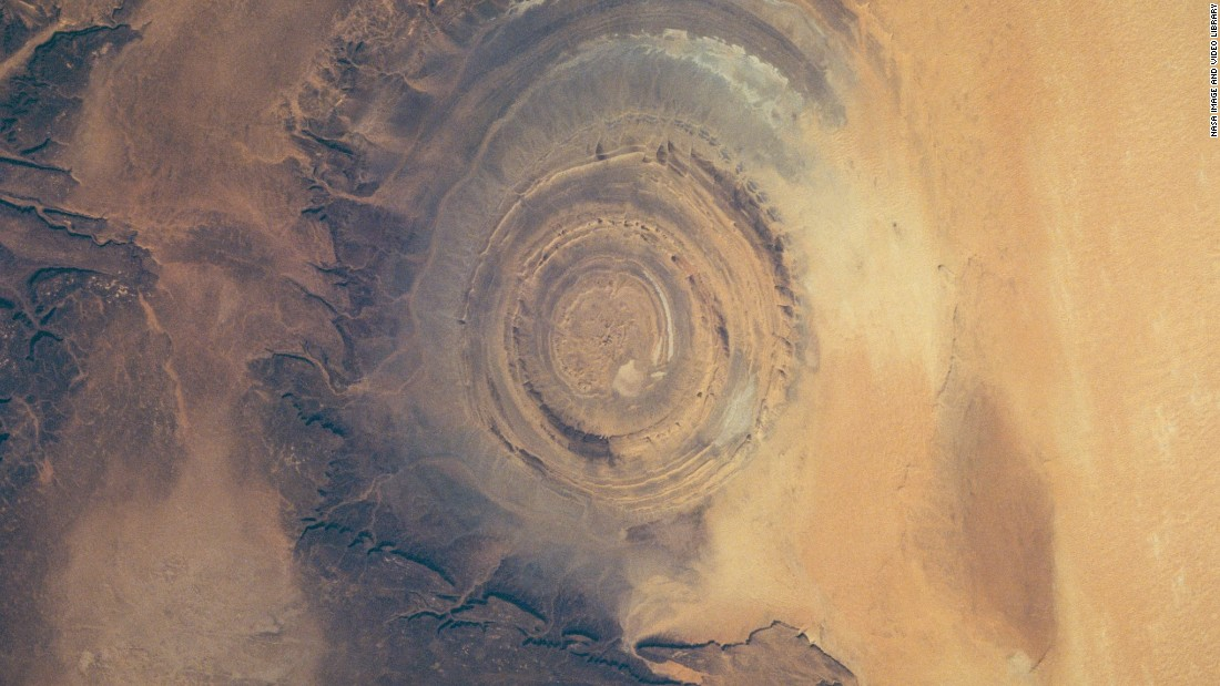 The Richat Structure, a geographical feature in the Sahara, is pictured in 1993 sitting in the Gres de Chinguetti Plateau in central Mauritania, northwest Africa.