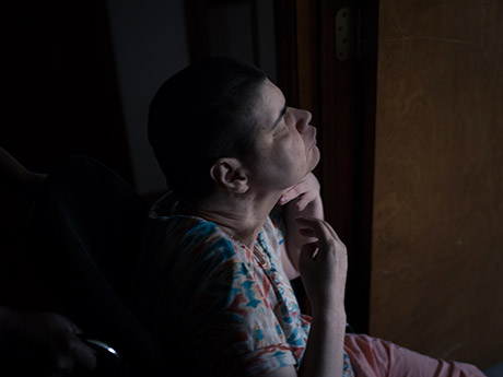 Born blind, deaf and severely brain-damaged, Lesli Jacobs lives in a silent world.
