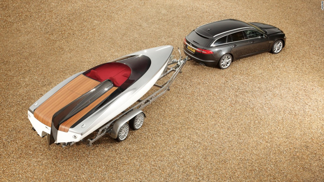 Peugeot is not the only brand designing beyond cars. Jaguar chief designer Ian Callum worked with Canadian yacht specialist Ivan Erdevicki on this concept for a speedboat.