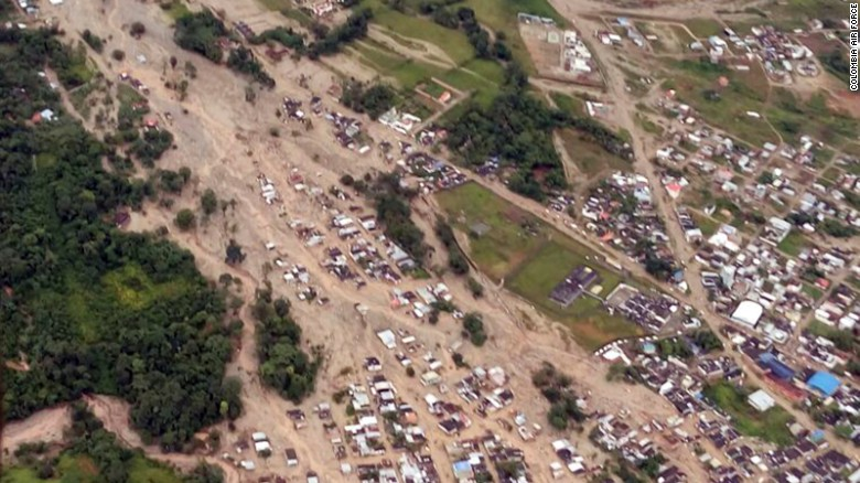 Hundreds killed in Colombian mudslides