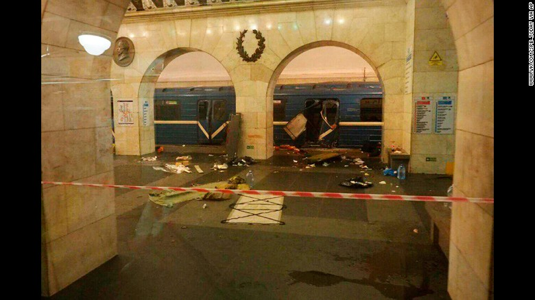 The aftermath of the explosion at Tekhnologichesky Institute subway station.