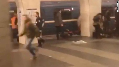 Bystanders rush to rescue trapped passengers