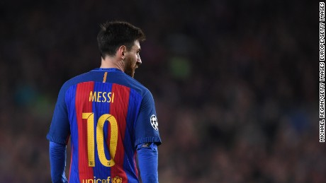 BARCELONA, SPAIN - MARCH 08:  Lionel Messi in action during the UEFA Champions League Round of 16 second leg match between FC Barcelona and Paris Saint-Germain at Camp Nou on March 8, 2017 in Barcelona, Spain.  (Photo by Michael Regan/Getty Images)