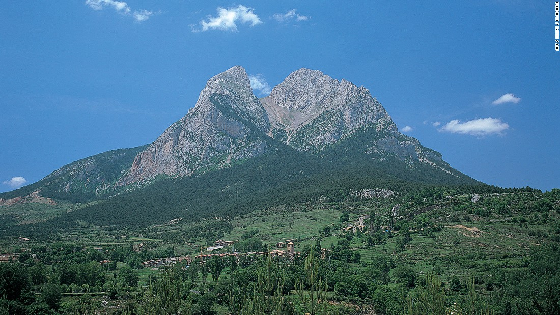 <strong>Pedraforca:</strong> Gósol is a gateway to the Cadí-Moixeró Natural Park and the twin-peaked Pedraforca mountain.