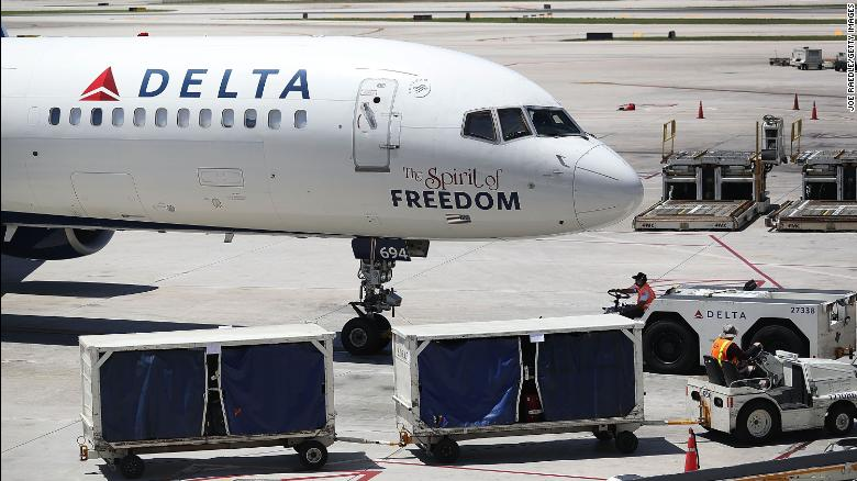 Delta passengers at LAX frustrated over 4th day of cancellations