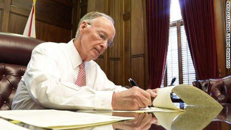 Alabama governor booked on campaign finance charges