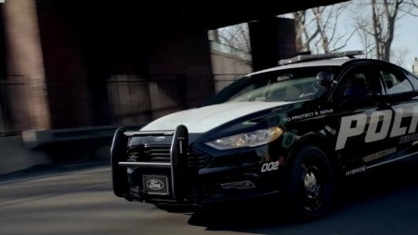 Ford unveils hybrid police car built for high-speed chases_00000000
