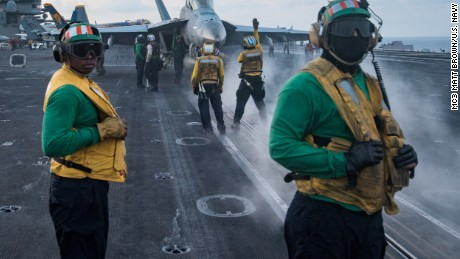 USS Carl Vinson heads to Korean Peninsula