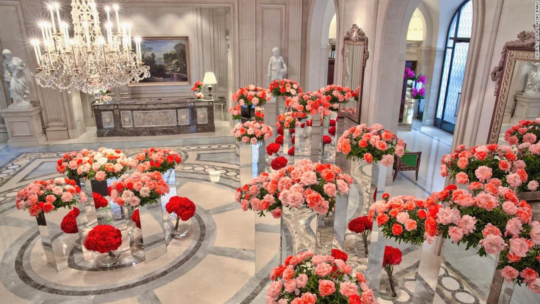<strong>Four Seasons Hotel Georges V:</strong> Celeb florist Jeff Leatham sets the bar for flowers at the renowned Paris property.