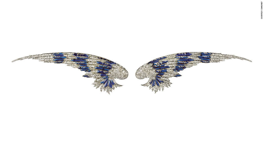 These Chaumet platinum, diamond and enamel wings from 1910 can be worn as a diadem or as brooches. They belonged to Payne Whitney (born Gertrude Vanderbilt), founder of Vogue magazine and the Whitney Museum in New York.