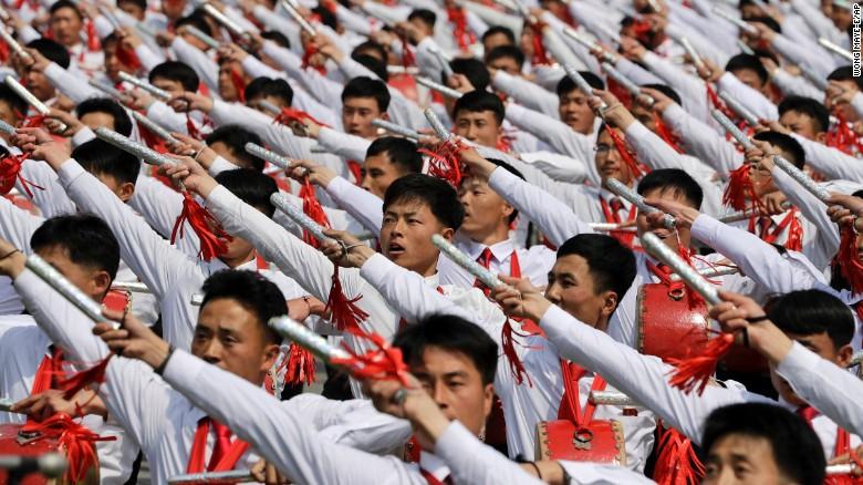 太阳节阅兵式 - wuwei1101 - 西花社