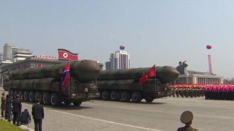 Pence visits Korean demilitarised zone