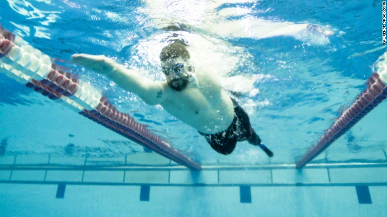 New prosthesis leg helps amputees swim