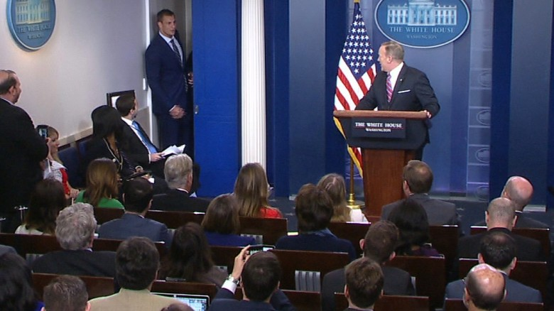 NFL star crashes White House briefing