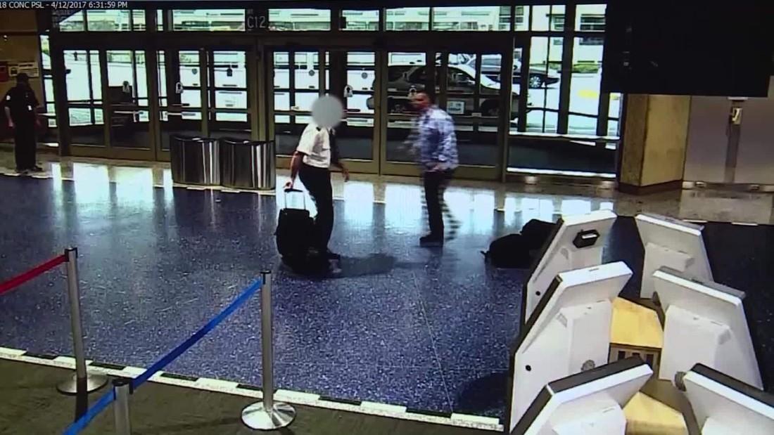 Pasajero empuja a piloto de american airlines cnn video - Piloto photo studio ...