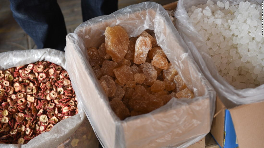 <strong>Local flavor: </strong>While in China, they shopped in the local markets for ingredients that would have been available 5,000 years ago -- such as hawthorn berry, honey and sugar.