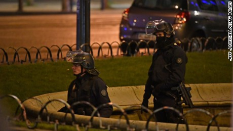 Gunman opens fire on police in Paris