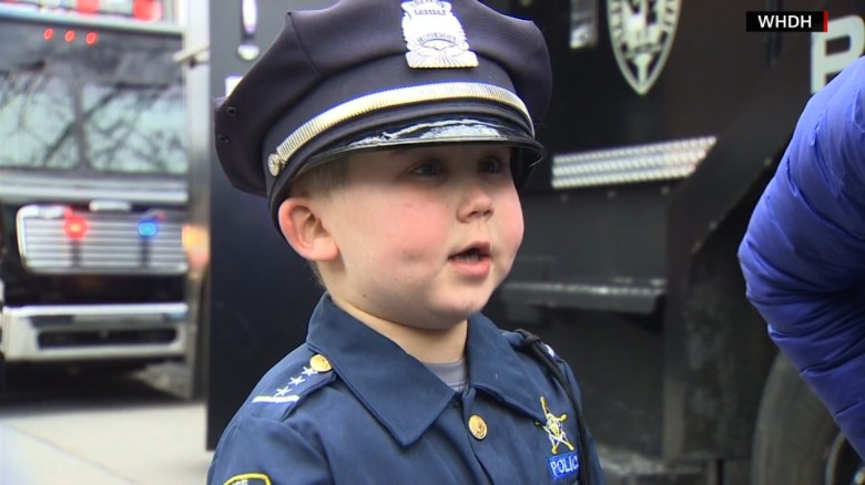 Cops rally around boy fighting cancer