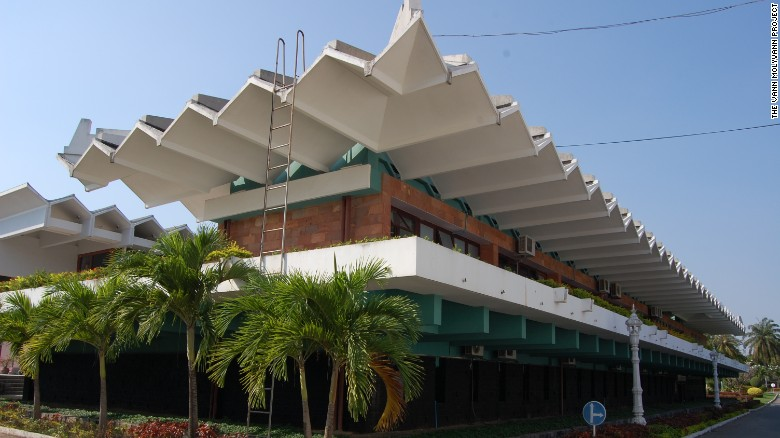 The State Palace in Phnom Penh was commissioned by the King of Cambodia to accommodate a 1966 visit by  Charles de Gaulle, the then president of France. The roof consists of folded concrete plates, and there's an open-air terrace where state dinners were held.