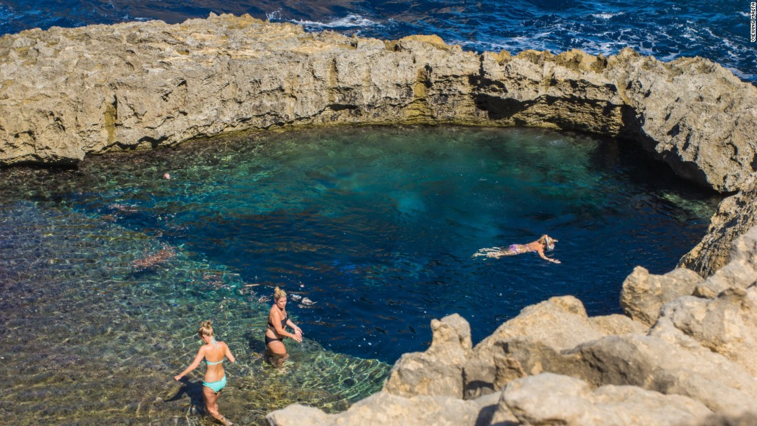 <strong>Blue Hole: </strong>The Azure Window once overlooked the Blue Hole, a 10-meter wide, 25-meter deep sea pool which is a hotspot for swimmers and divers.