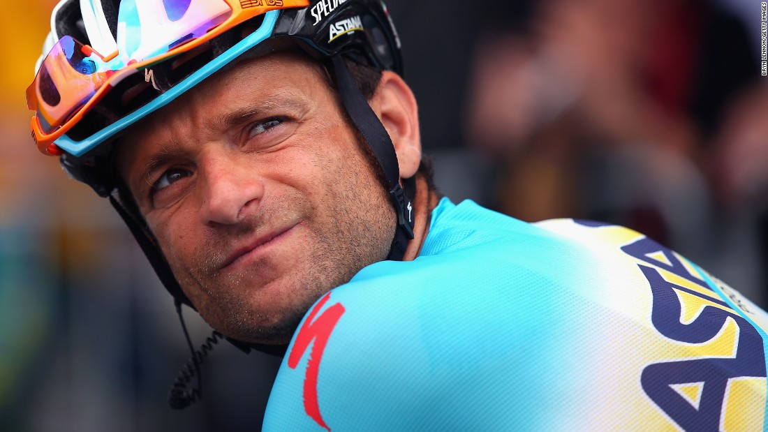 Cyclist Scarponi dies in van collision